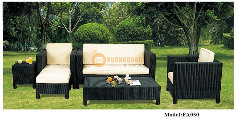 Bộ bàn ghế ngoài trời thiết kế sang trọng ZXFA050