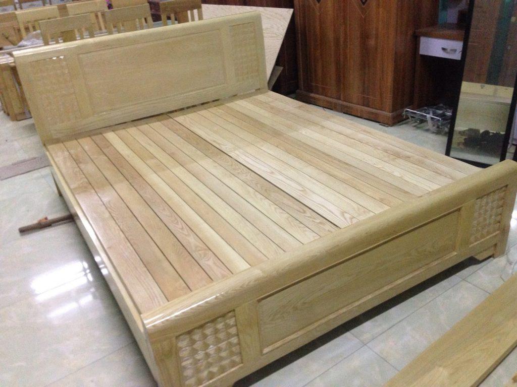 Gỗ sồi được dùng phổ biến trong sản xuất giường ngủ